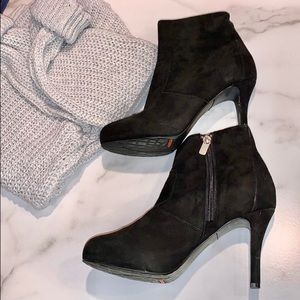 ROCKPORT BLACK SUEDE ANKLE BOOTIES 6.5 HEELED BOOT